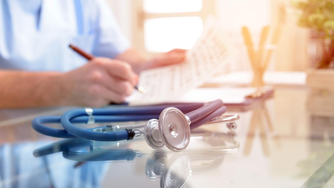 В Алматы выписали еще двух пациентов, получавших лечение от коронавируса