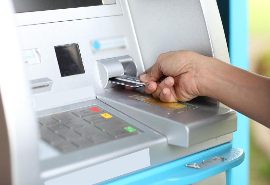В Казахстане увеличивается количество банкоматов