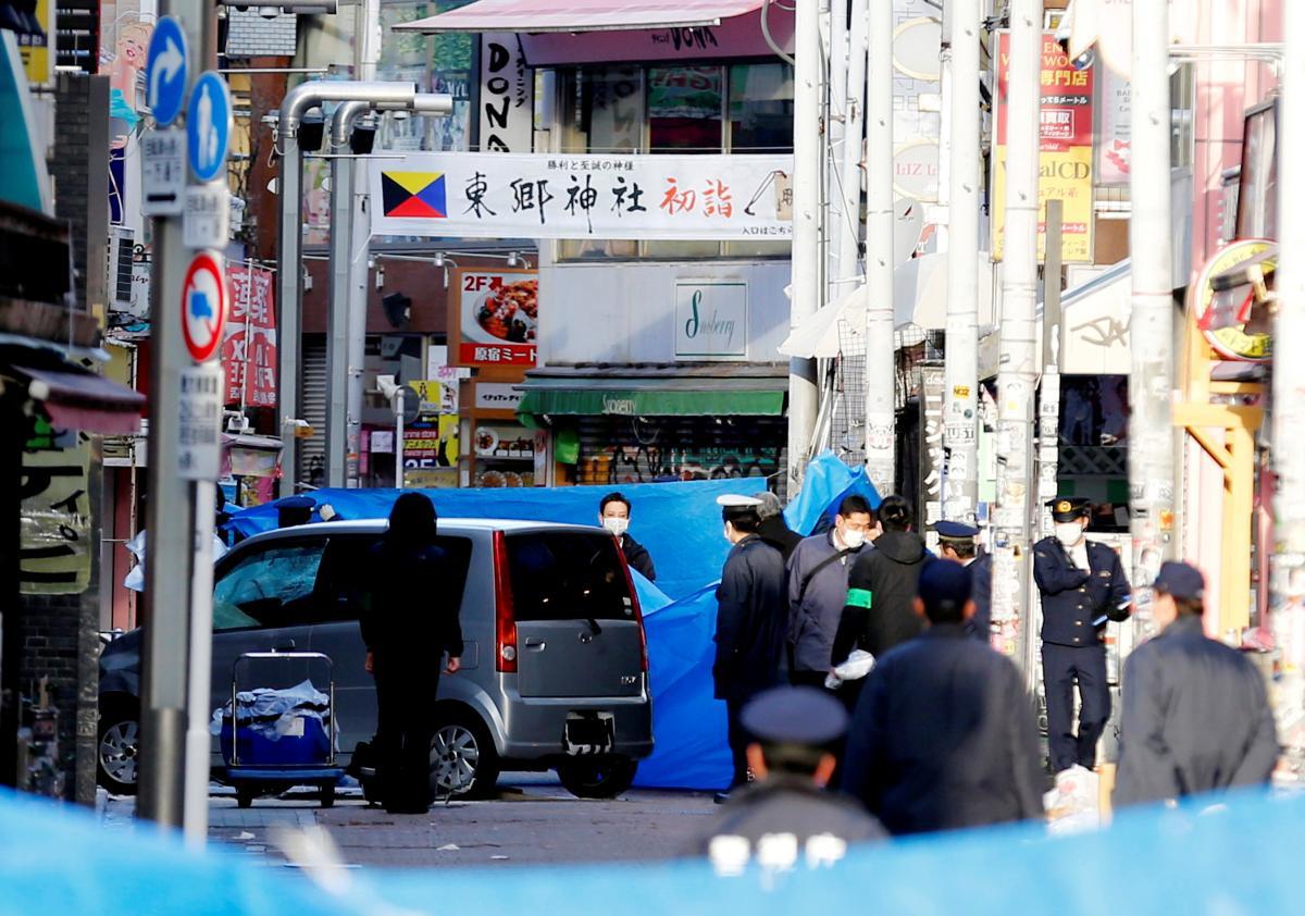 В Токио водитель врезался в отмечавшую Новый год толпу