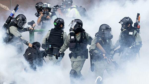 В Гонконге из-за уличных протестов усилили меры безопасности