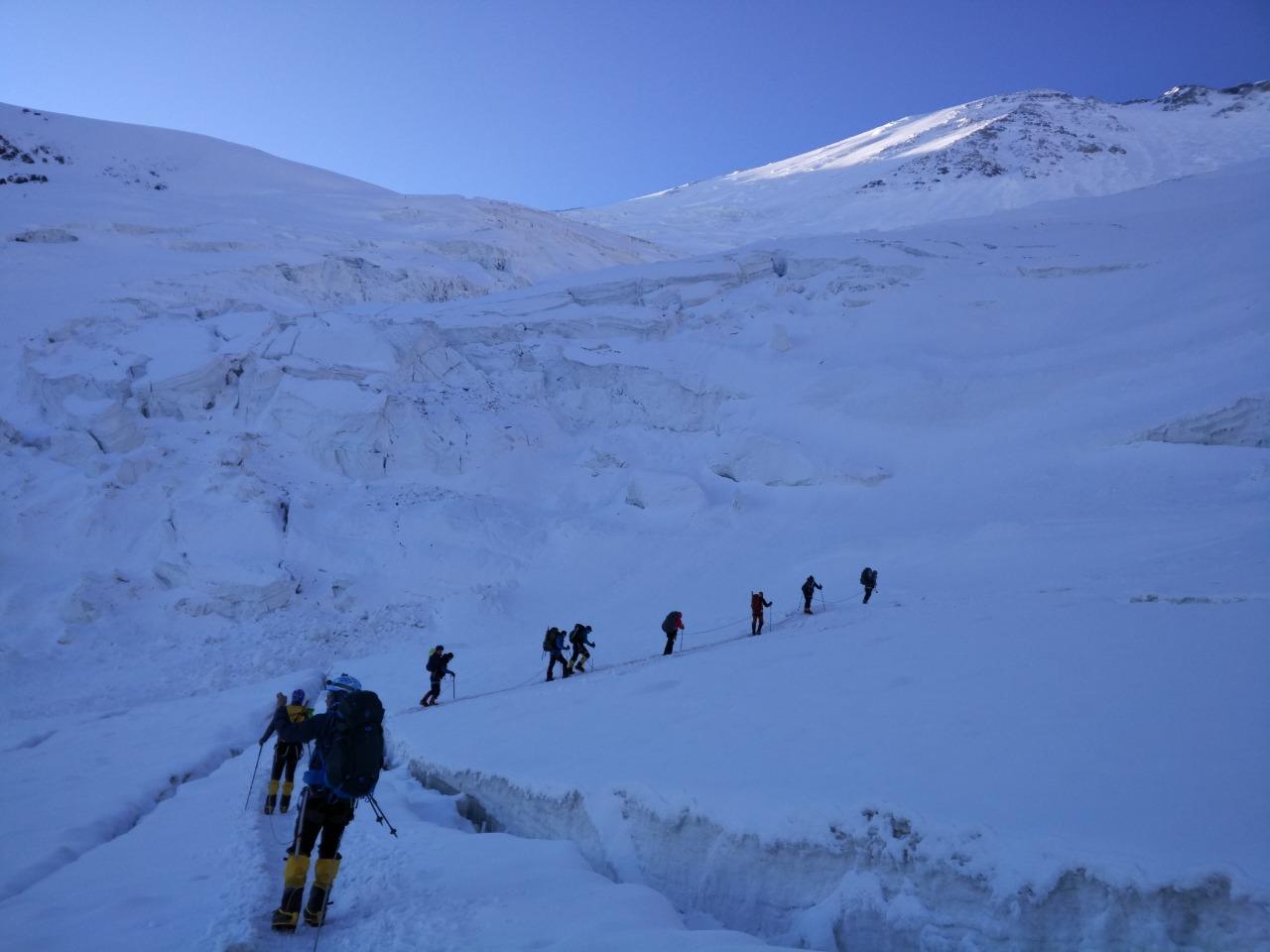 Ми-171 вылетел из Казахстана на поиски пропавших альпинистов