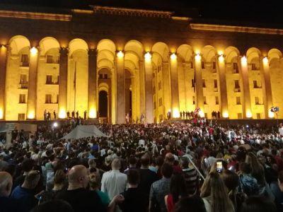 Грузияда халық тағы да митингіге шықты