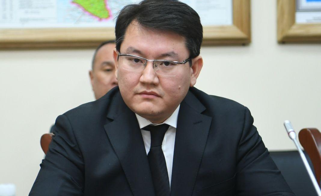 Досье: Отарбаев Малик Нуржанович,  акимат Туркестанской области
