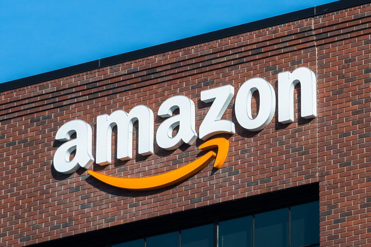 Amazon может открыть до трёх тысяч магазинов без кассиров , Amazon, Магазин