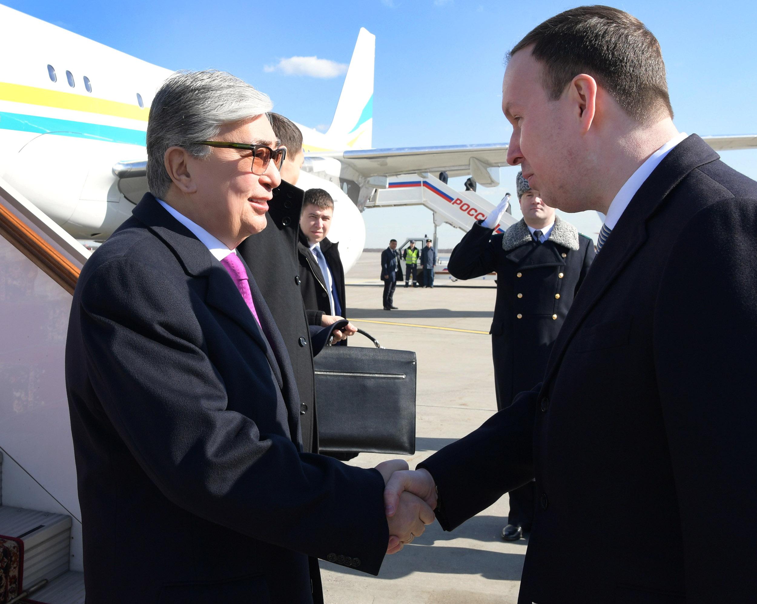 Президент Казахстана прибыл в РФ с первым зарубежным визитом