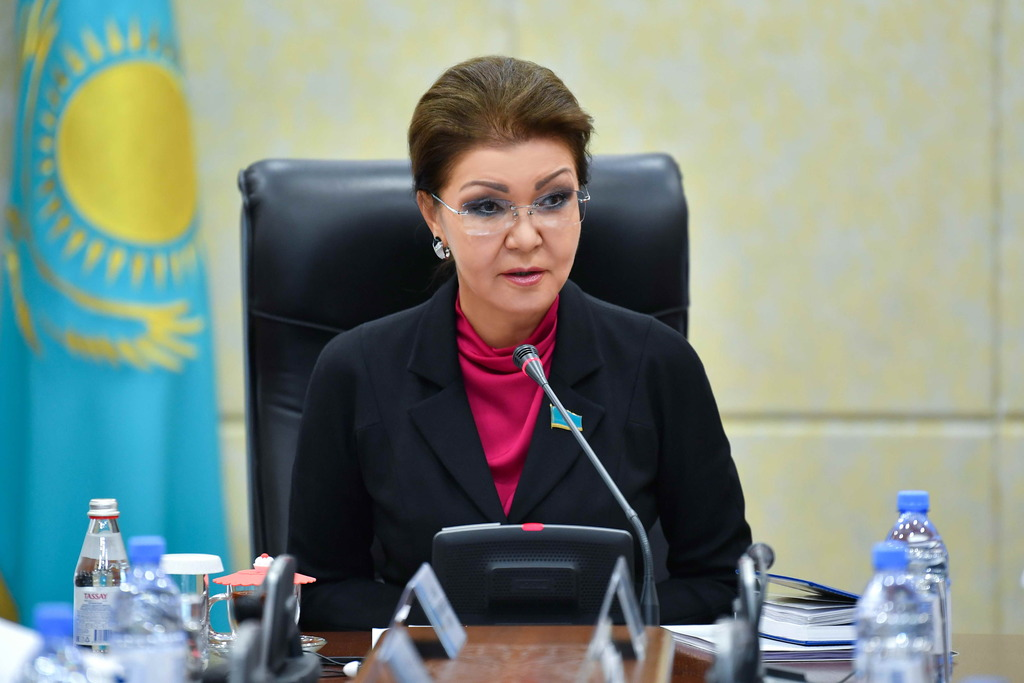 Дарига Назарбаева встретилась с представителями зерновых объединений