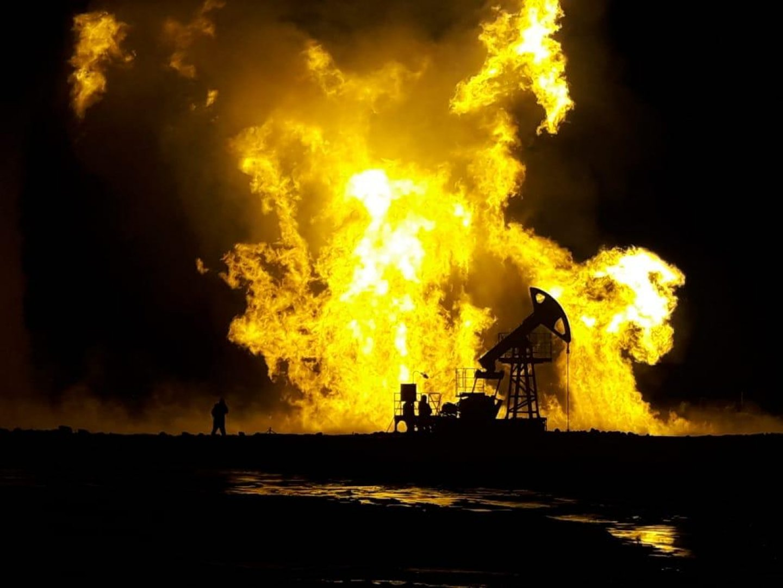 Пожар на скважине месторождения Каламкас продолжается третьи сутки