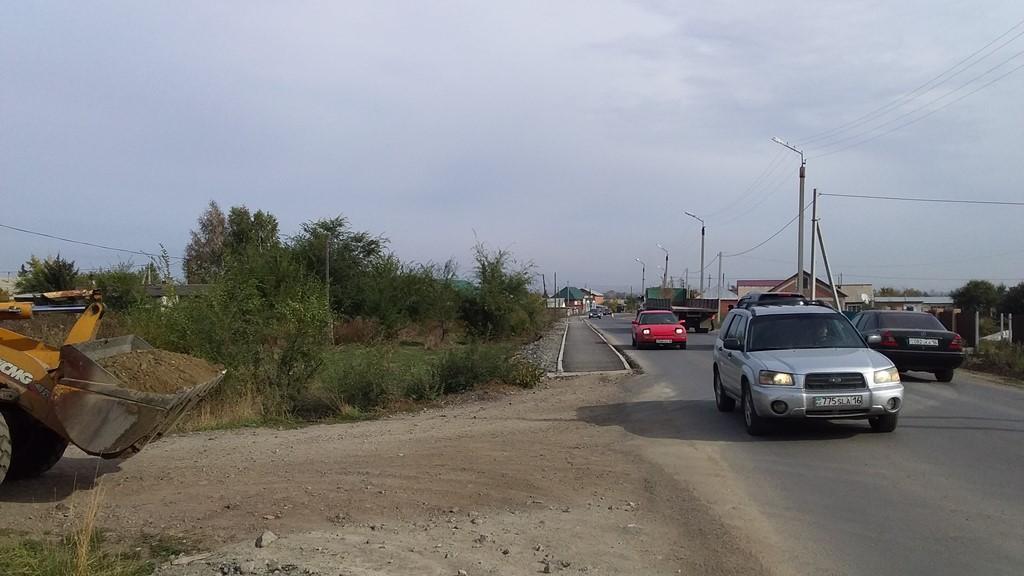 Медицинский автокомплекс за 157 млн тенге простаивает из-за плохих дорог
