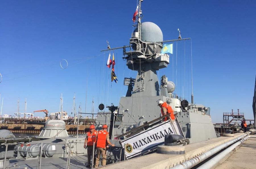 Корабли Каспийской флотилии посетили порт Актау в Казахстане с неофициальным визитом