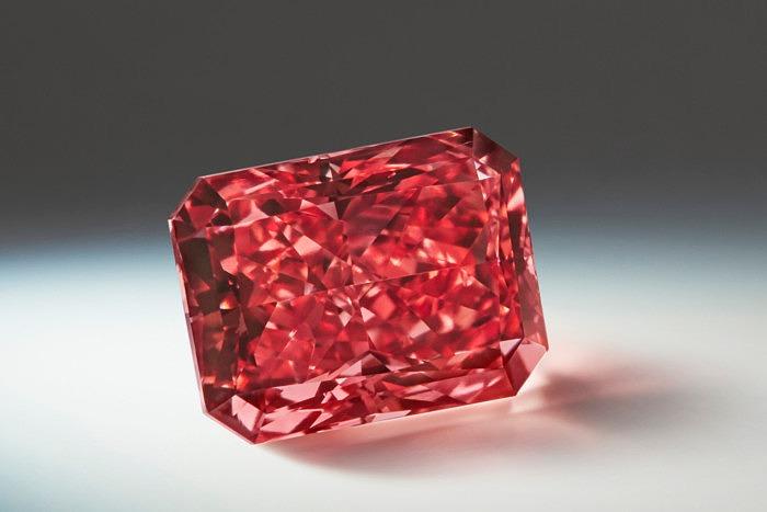 Әлемдегі ең ірі алмаз шахтасы жабылады