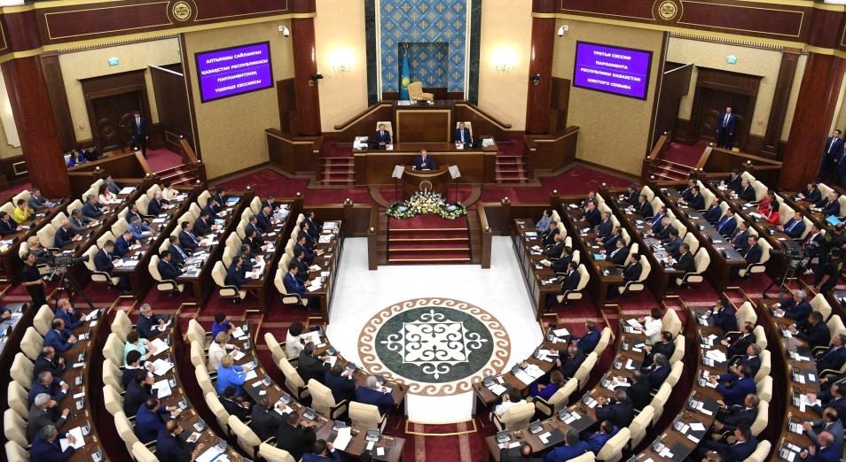 Депутаты Парламента ушли на каникулы