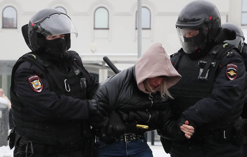 Несколько человек пострадали во время незаконной акции в Москве