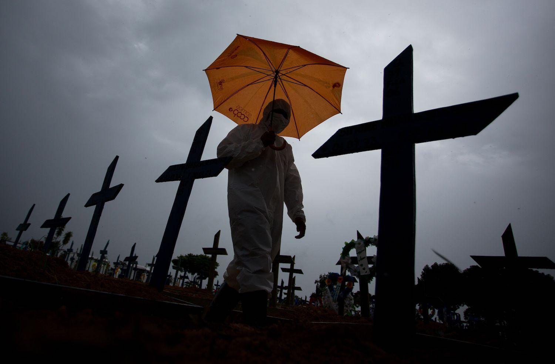 «Биологиялық Фукусима»: Бразилия пандемияда АҚШ-ты басып озуға жақын