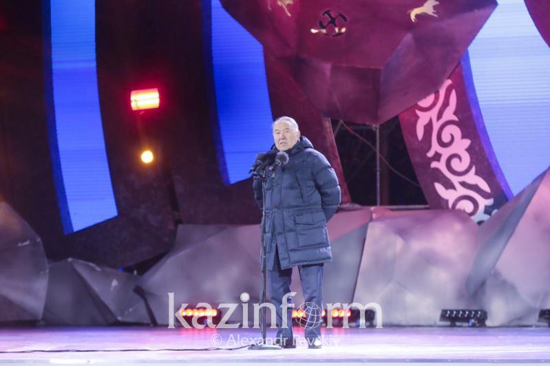 Нұрсұлтан Назарбаев түркістандықтармен кездесті