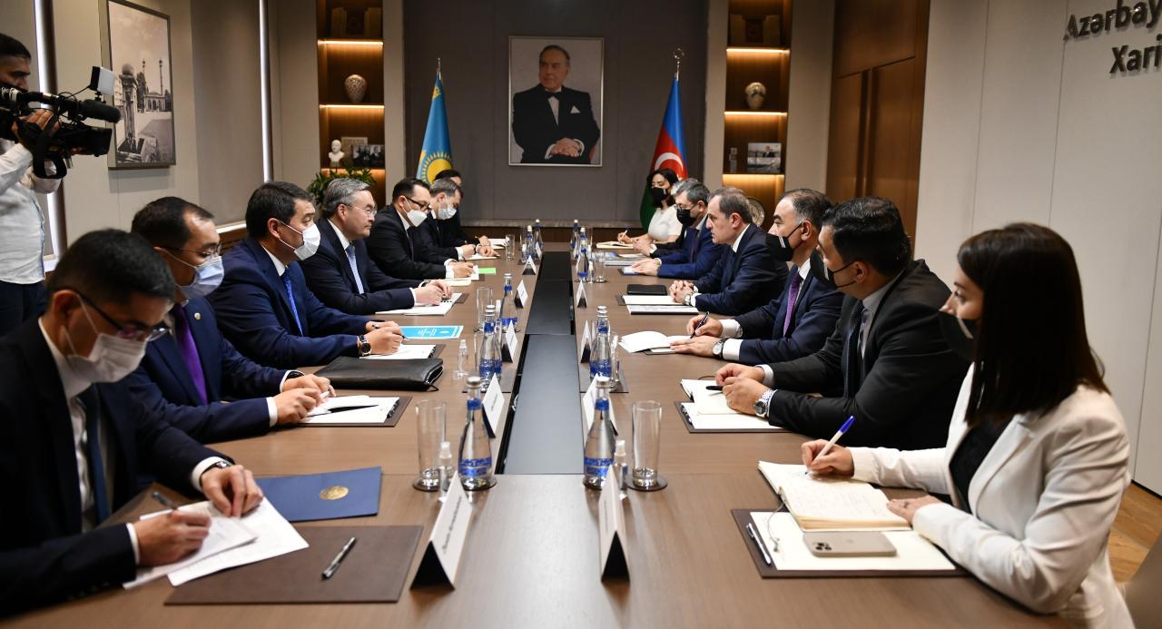 Что глава МИД Казахстана обсуждал с руководством Азербайджана