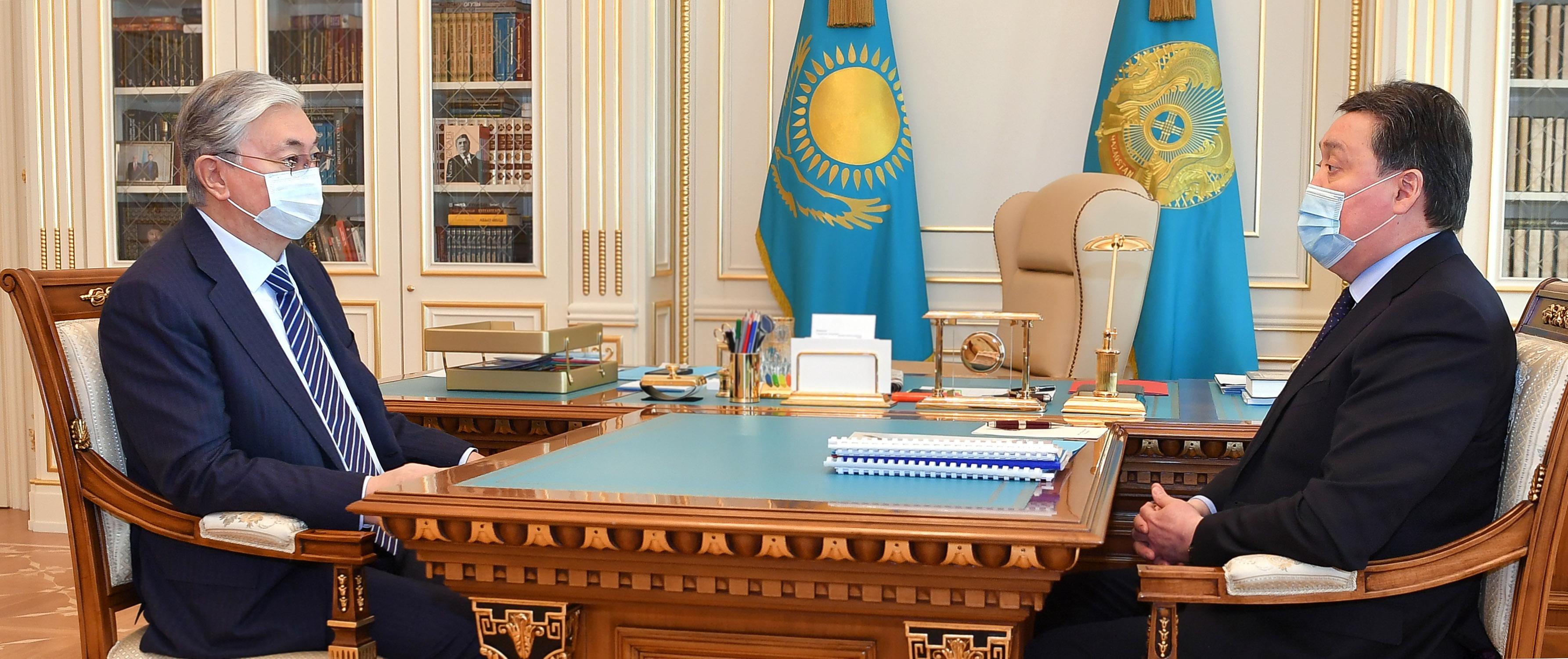 Премьер-министр РК доложил президенту о ситуации по коронавирусу