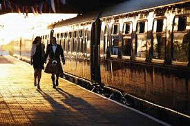 В Шотландии с рельсов сошел поезд