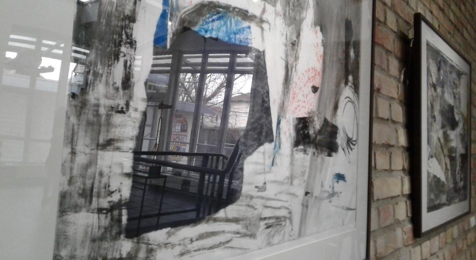 «Поиск истины» художницы и стюардессы Николь Карстенс
