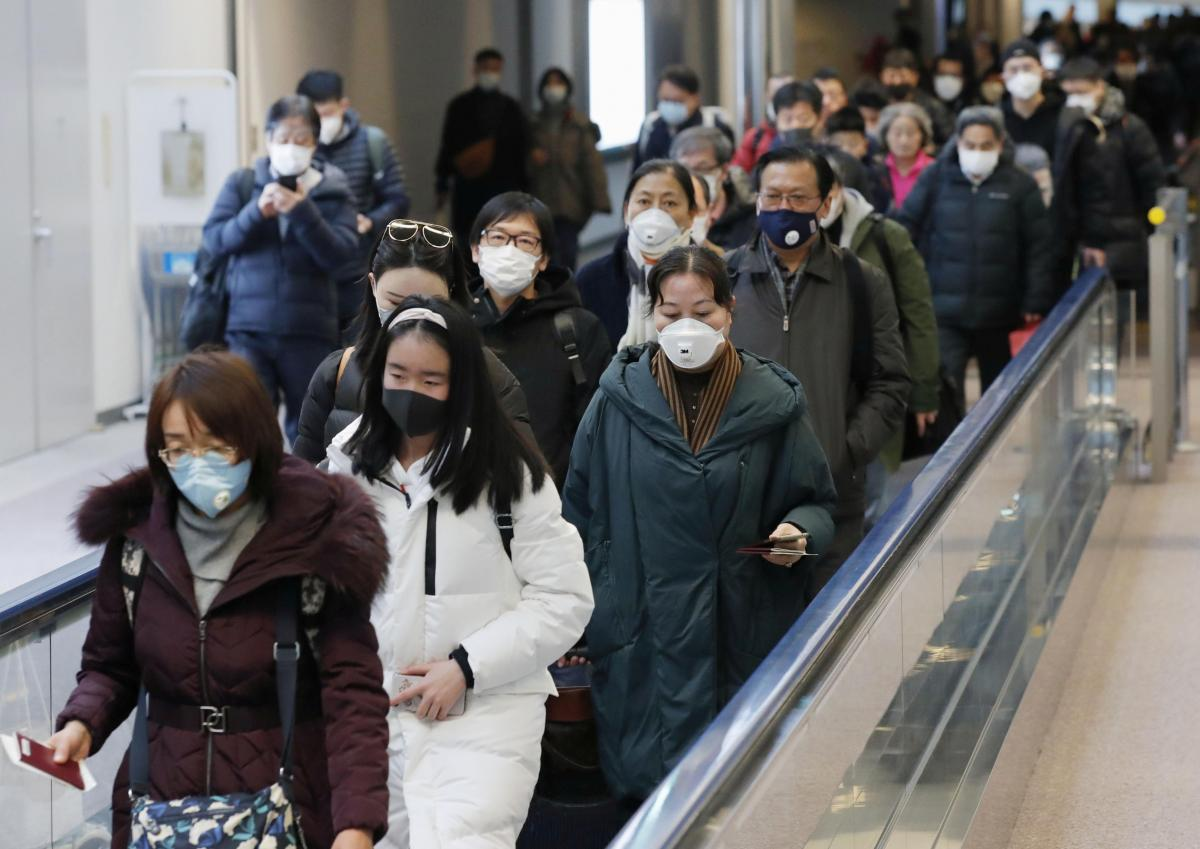 Власти Китая за сутки выявили 49 случаев заражения коронавирусом