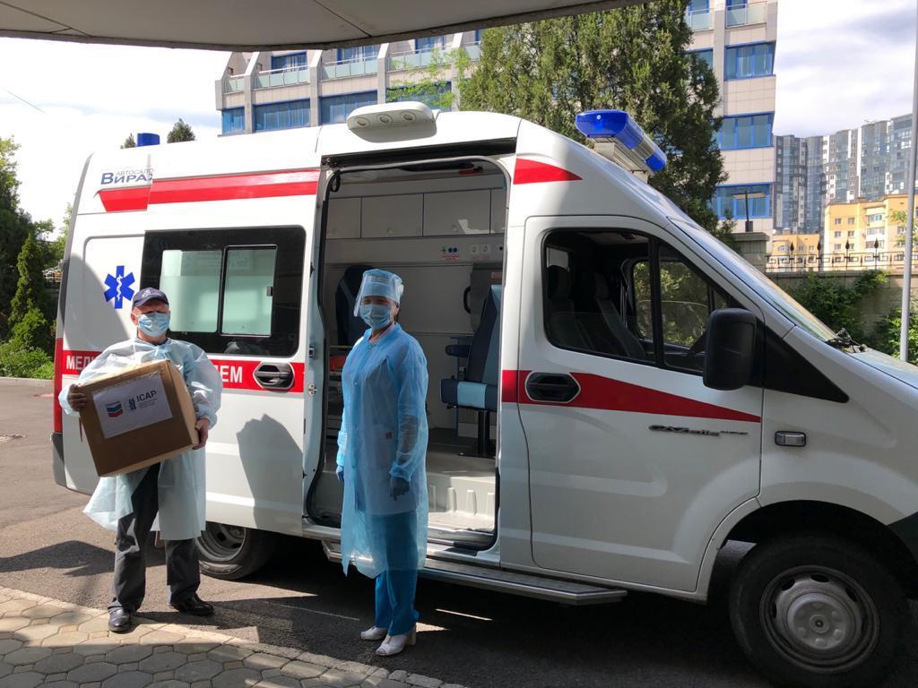 """""""Шеврон"""" совместно с ICAP передали в медучреждения Алматы 70 тысяч масок-респираторов"""