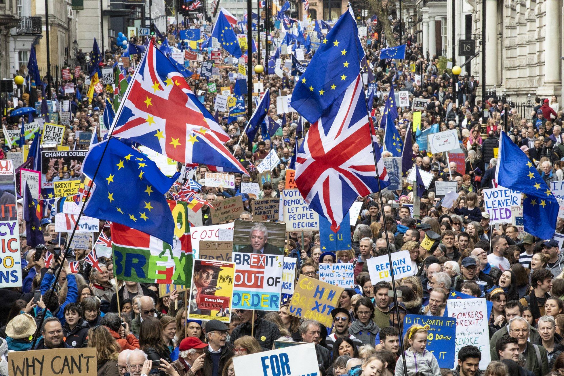 Марш в поддержку второго референдума по Brexit прошел в Лондоне