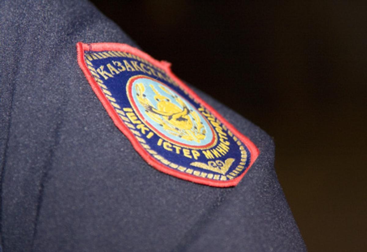 В Алматы ищут преступников, ранивших ножом полицейских