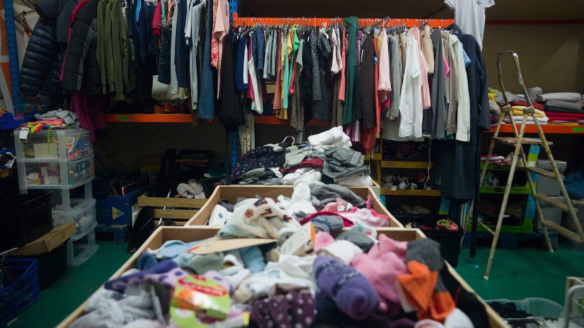 Малообеспеченным семьям в Алматы передали конфискованные вещи на сумму более 250 млн тенге