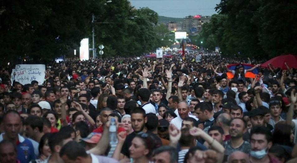 Серж кетті. Алда – сайлау, Армения, ереуіл Серж Саргсян, отставка, премьер-министр