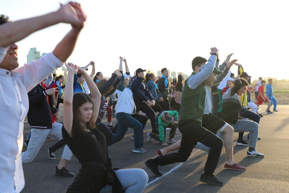 Молодежь Казахстана поддержала акцию Challenge «Другой ты!»