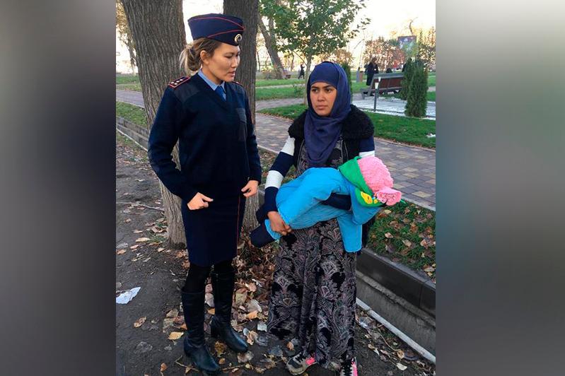 В Алматы полицейские ведут борьбу с попрошайничеством