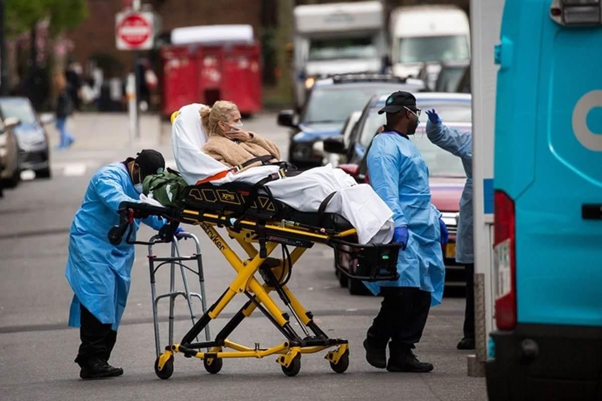 Число жертв коронавируса в мире превысило 564 тыс.