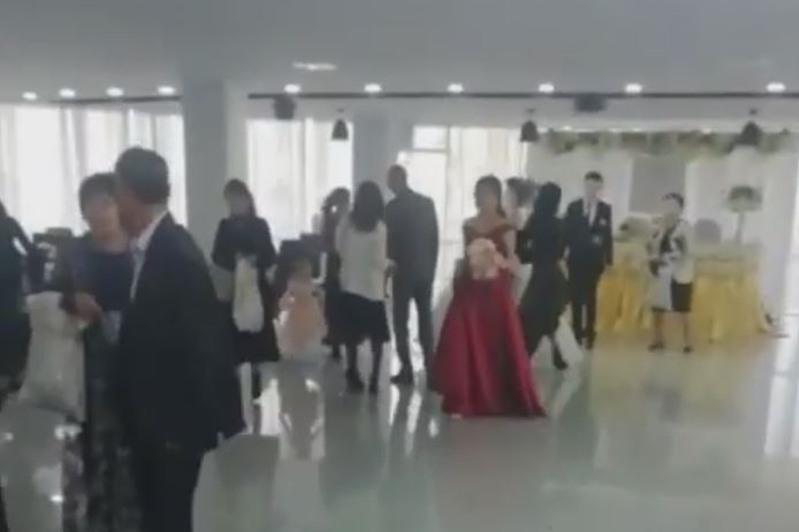 Полицейские Нур-Султана остановили свадьбу
