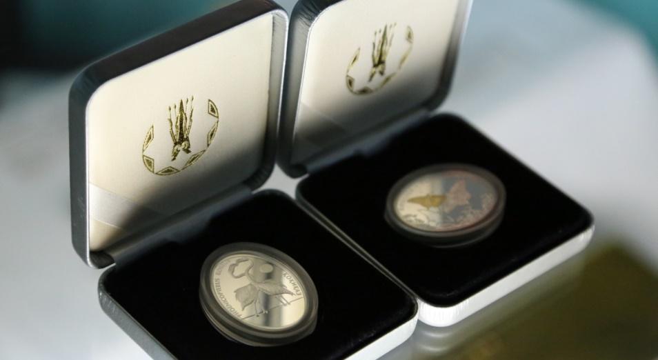 Нацбанк РК выпустил в обращение коллекционные монеты ABAI. 175 JYL