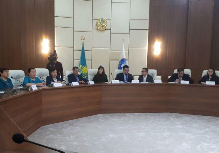 Молодежь Нур-Султана встретилась с председателем Всемирного форума татарской молодежи