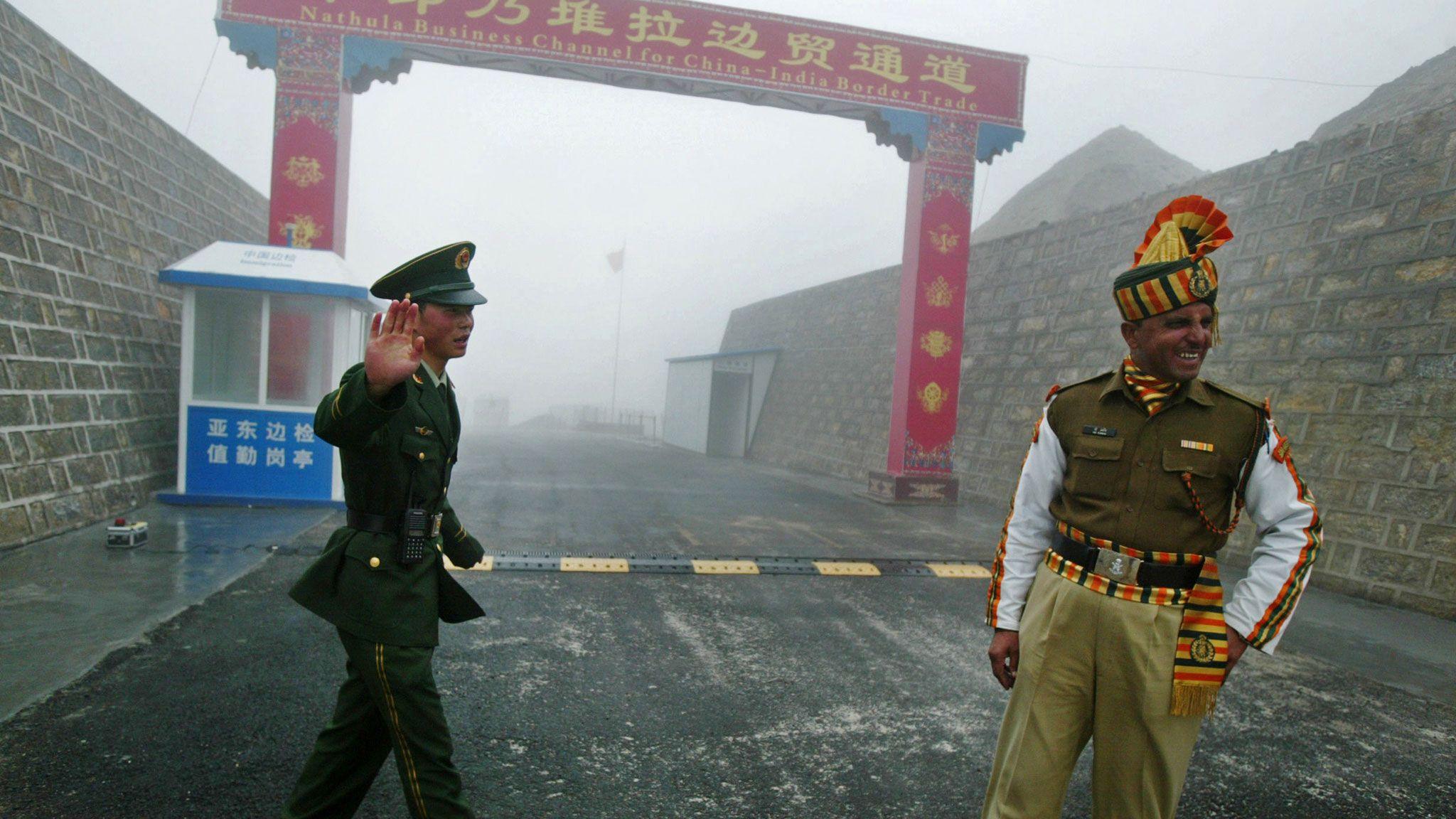 Китайские и индийские военнослужащие подрались на границе