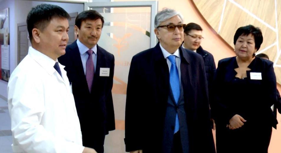Касым-Жомарт Токаев посетил новый медцентр в Шымкенте