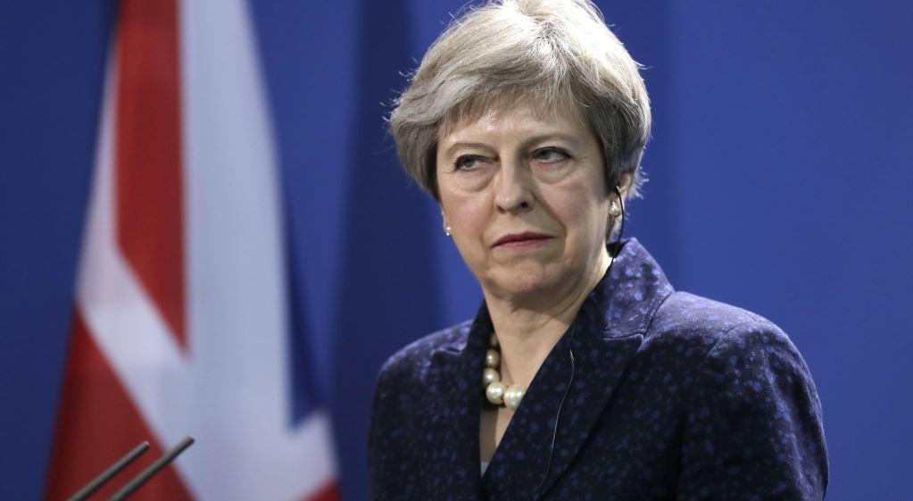 Тереза Мэй может расстаться с ключевыми министрами на фоне противоречий по Brexit