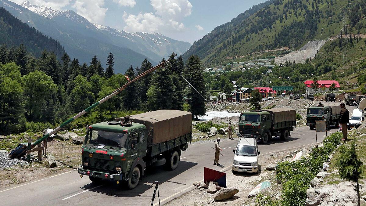 Представители командования Индии и Китая начали переговоры о разведении войск