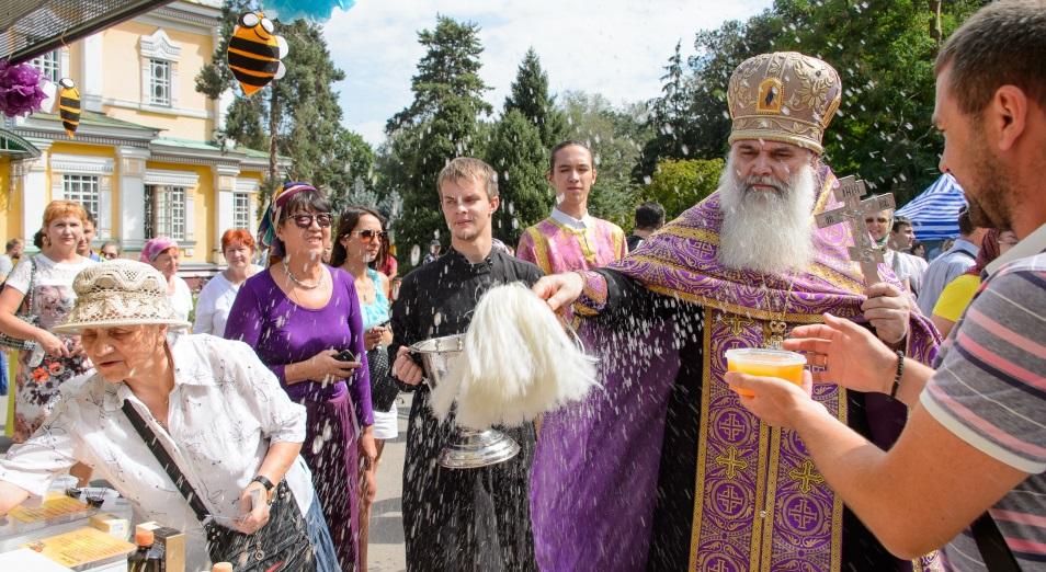 Христианский мир празднует самый сладкий свой праздник – Медовый Спас