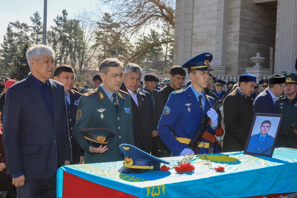 В Казахстане простились с погибшими военнослужащими