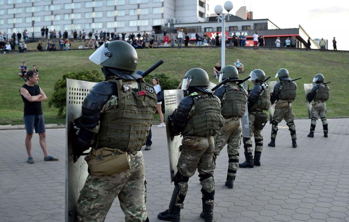 Cиловики взяли под контроль центр Минска в связи с запланированной акцией протеста