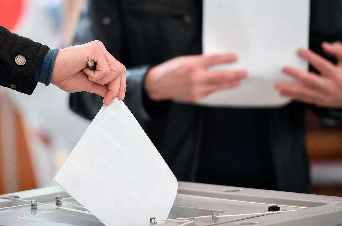 В Кыргызстане завершилось голосование на выборах в парламент