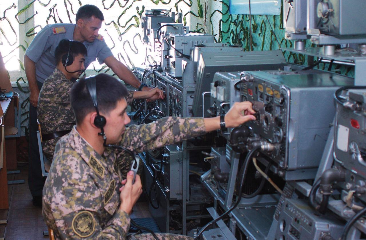 Военные связисты РК отмечают профессиональный праздник