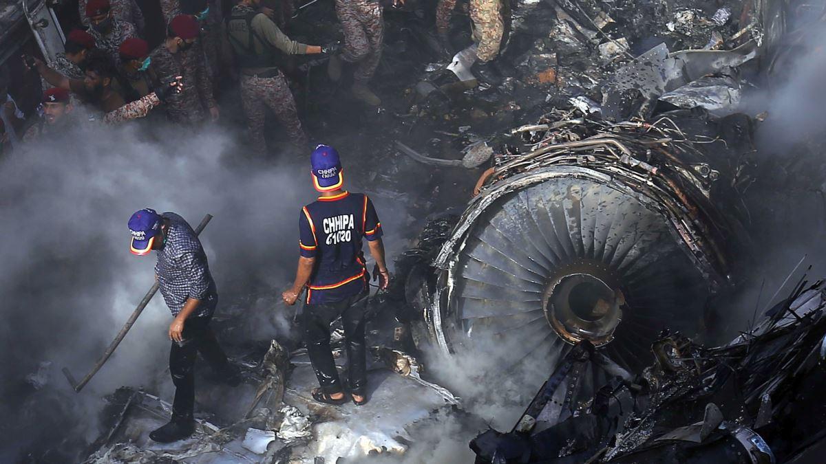 Президент Казахстана соболезнует в связи с многочисленными жертвами авиакатастрофы в Пакистане
