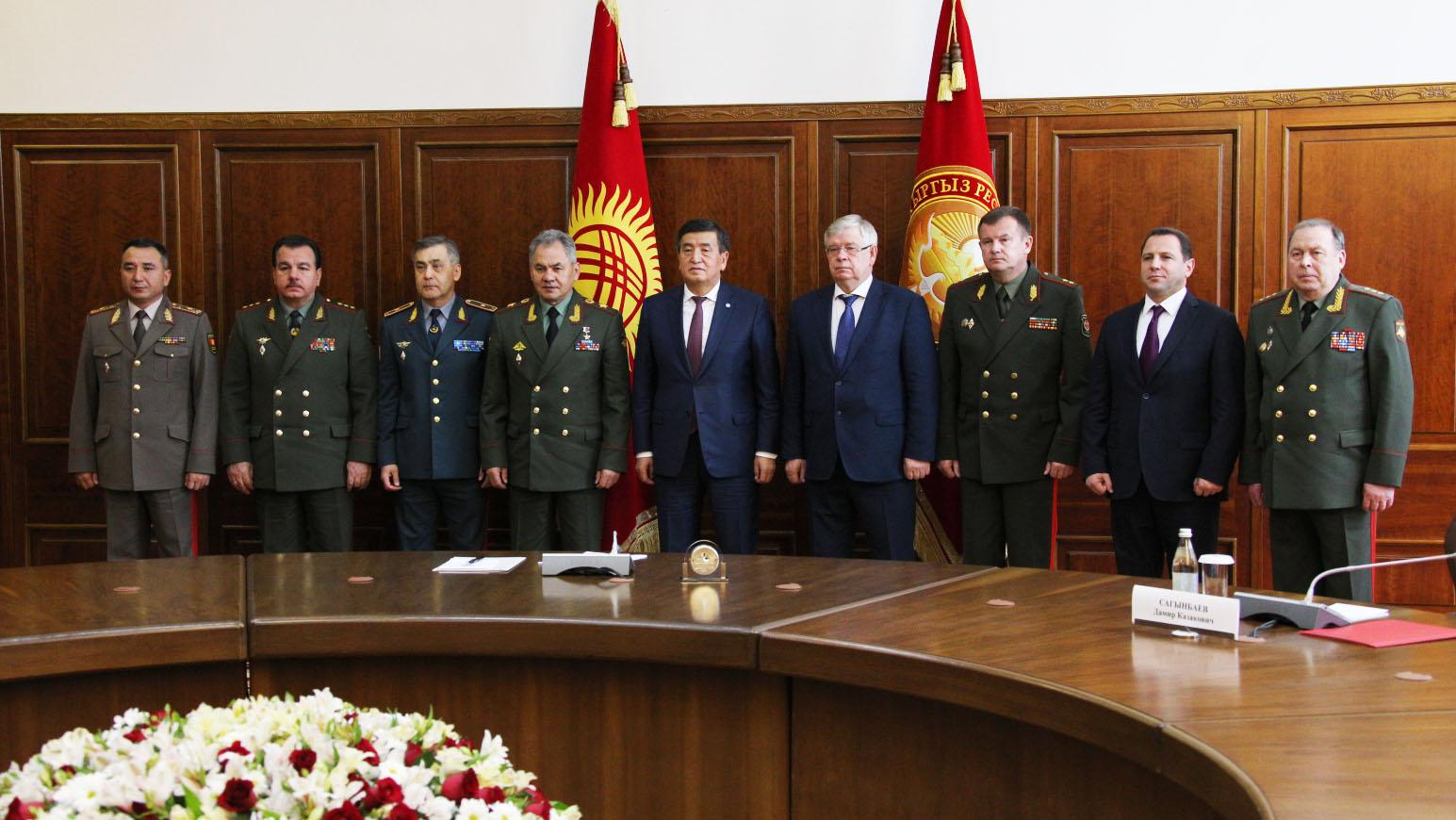 Казахстан намерен передать Таджикистану военно-техническое имущество для укрепления границ ОДКБ