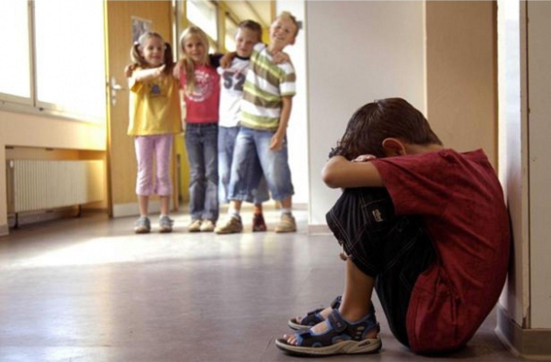 Каждый пятый школьник РК из бедной семьи на год отстает от своих сверстников – ВБ
