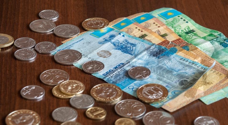 Слабый рубль и карантин давят на тенге