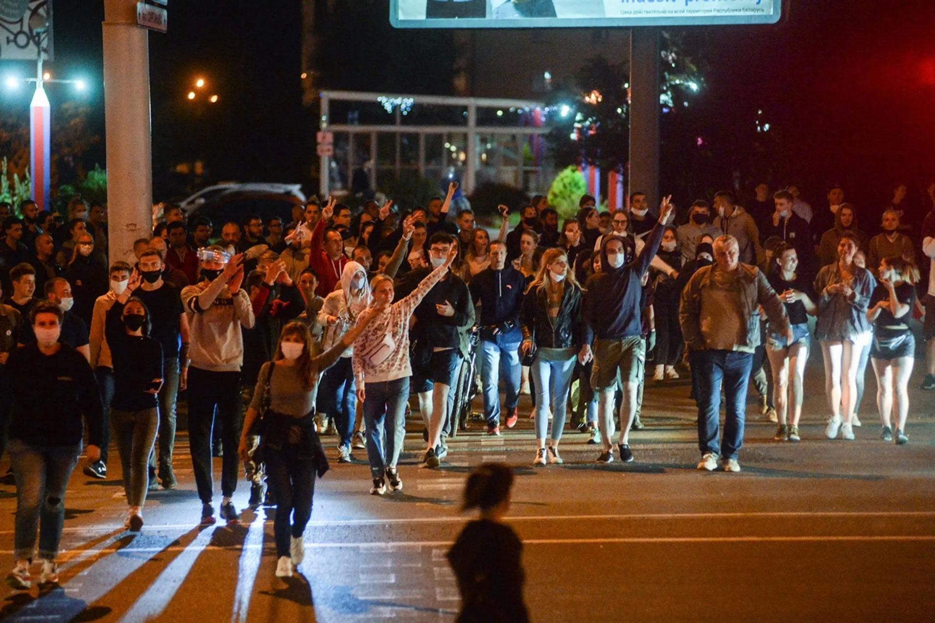 На марш оппозиции в Минске собрались 15 тыс. протестующих
