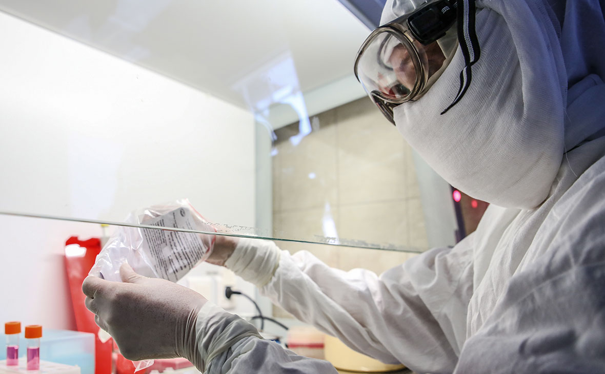 Еще одна медсестра заразилась коронавирусом в Казахстане