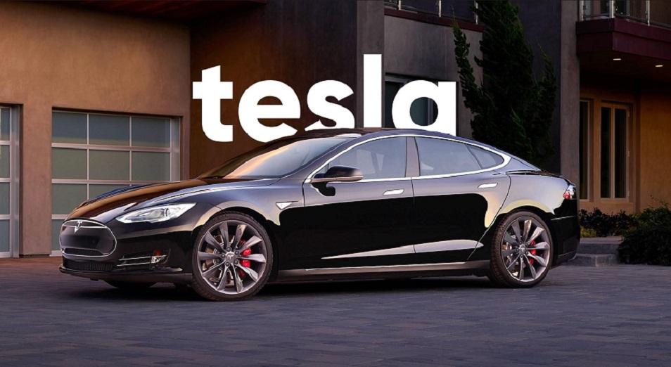 Tesla мінілген көліктерін интернет арқылы сата бастады